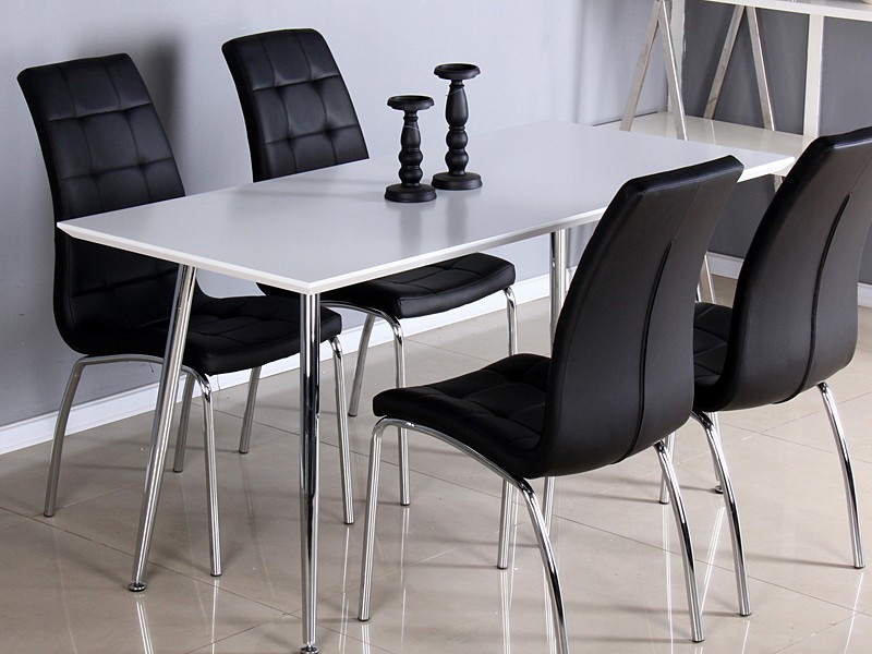 Mesa blanca lacada con patas cromadas muebles comedor for Sillas blancas y negras