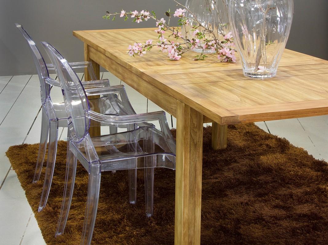 Mesas rusticas de comedor mesa de comedor bajo los rboles - Mesas comedor rusticas ...