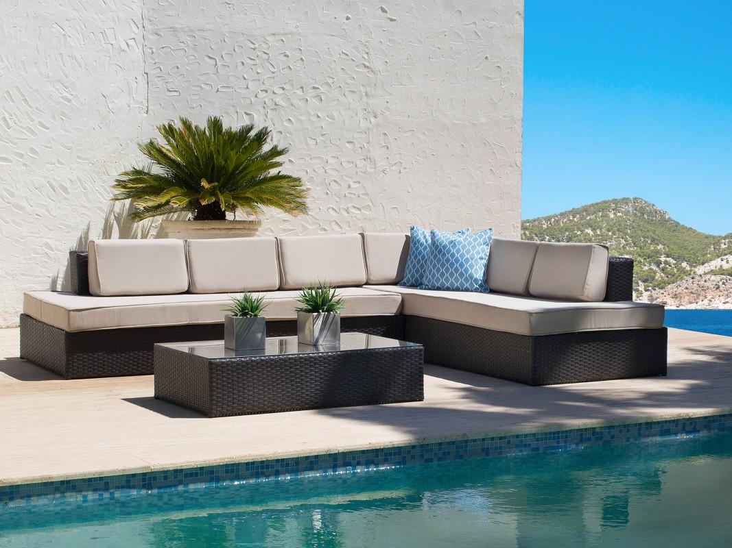chaise longue con mesa de rattan para terraza y jard n