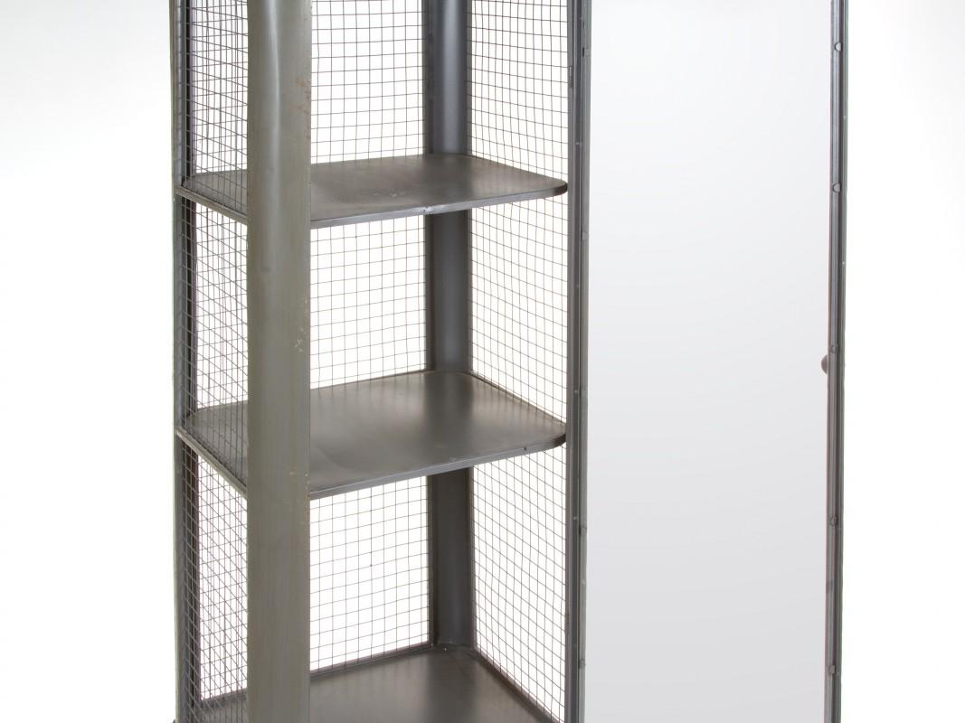 Vitrina estrecha de hierro y cristal estilo industrial for Vitrina estilo industrial