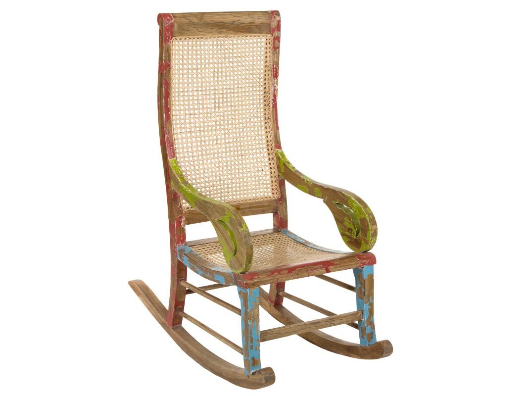 Mecedora vintage de colores de madera decapada y rattan for Mecedora terraza