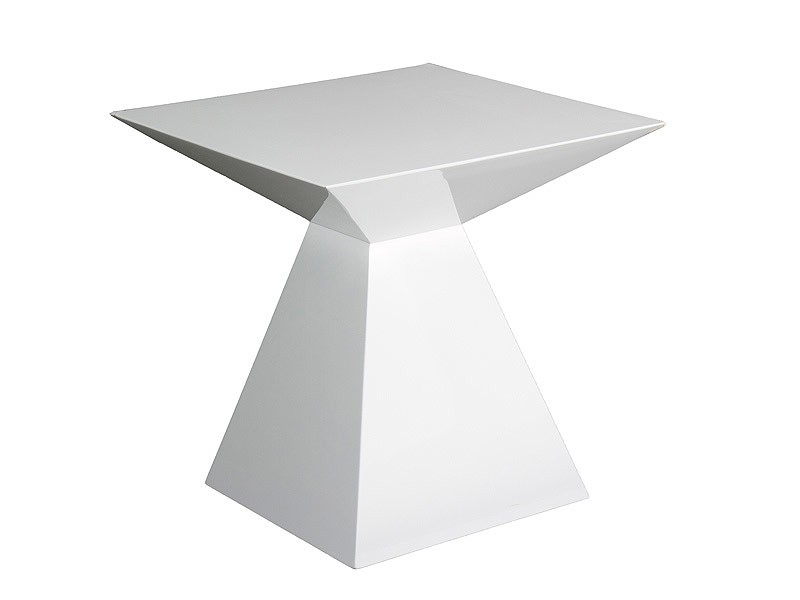 Mesa auxiliar moderna con forma de pir mide geom trica - Mesas auxiliares modernas ...