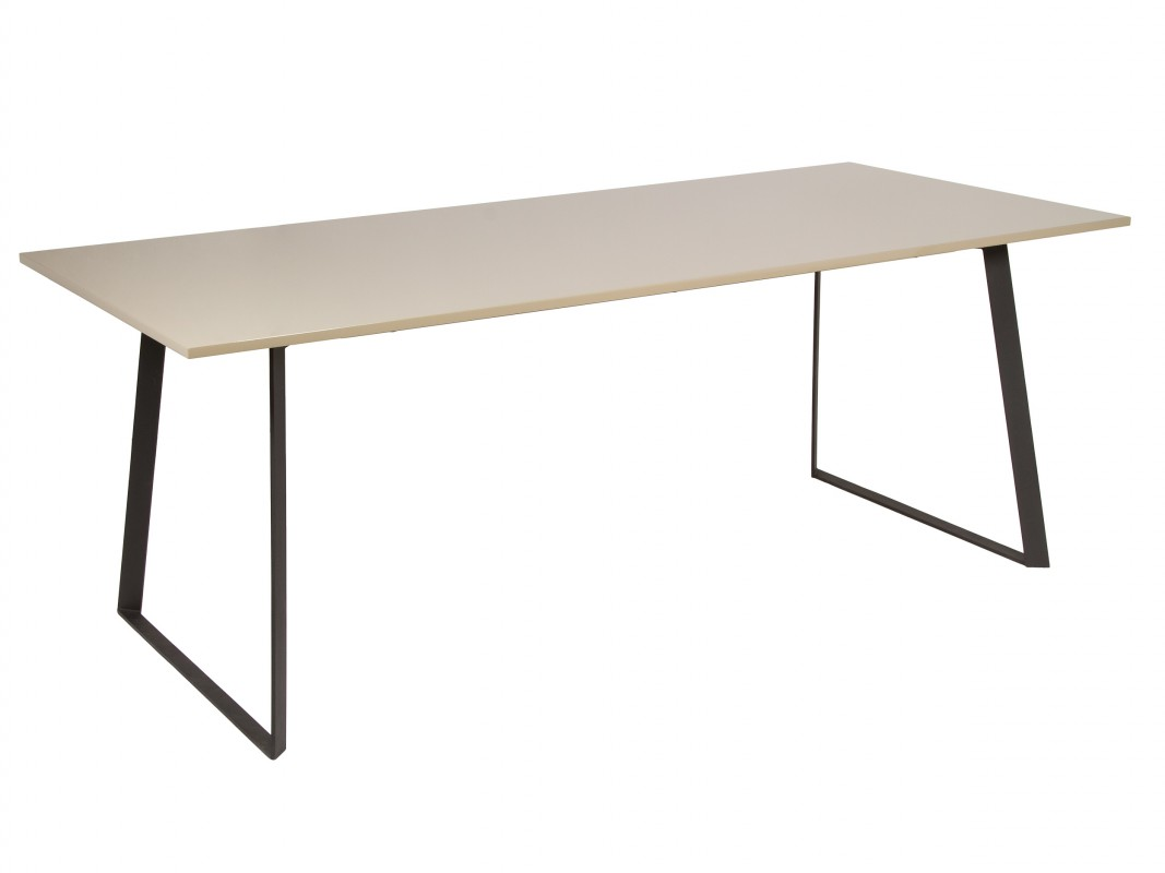 Mesa de comedor de diseo top mesa seven ch design mobles for Comedor ovalado extensible
