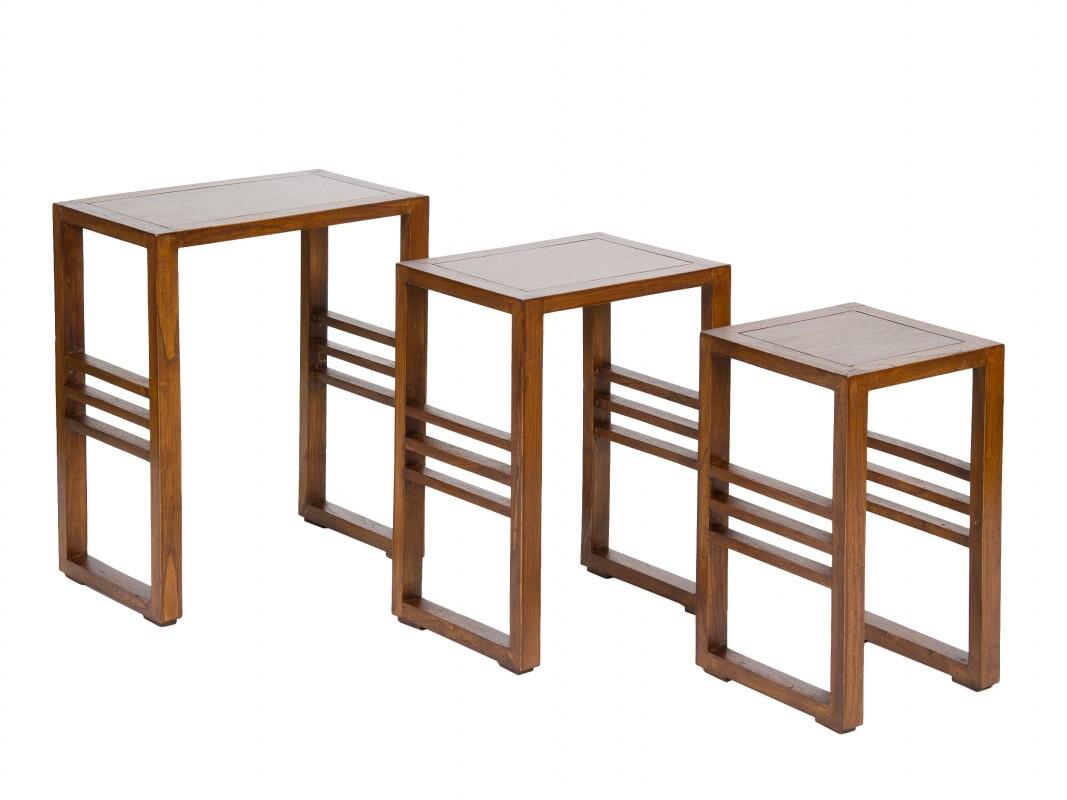 Juego de 3 mesas nido auxiliares de madera de acacia for Mesas de salon de madera