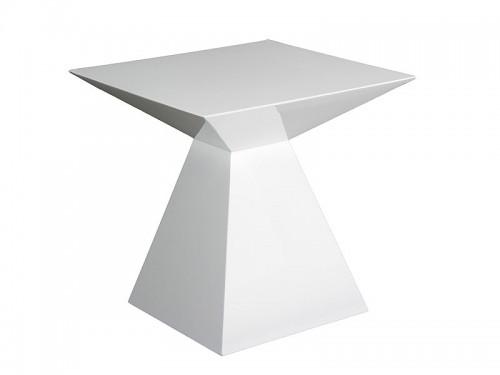 Mesa auxiliar moderna con forma de pir mide geom trica for Mesa auxiliar esquinera