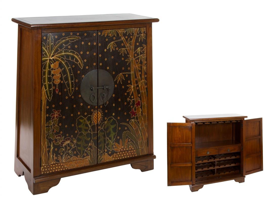 mueble vinoteca de madera con puertas estampadas de colores