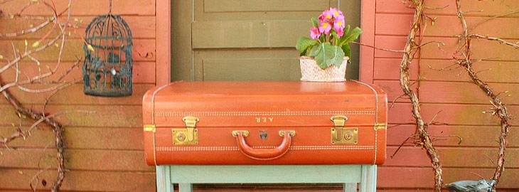 Decorar con maletas antiguas la casa interiorismo online for Maletas vintage decoracion
