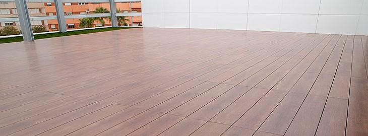 Tipos de suelos para exterior terraza y jard n for Ideas suelo terraza