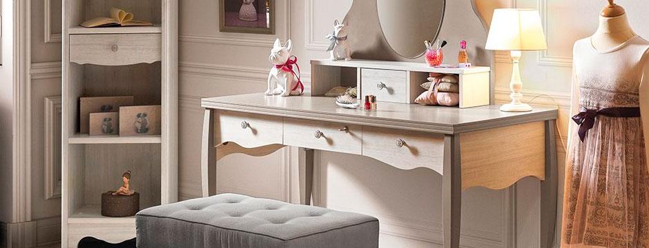 El tocador de maquillaje claves para decorar tu espacio for Sillas para maquillar