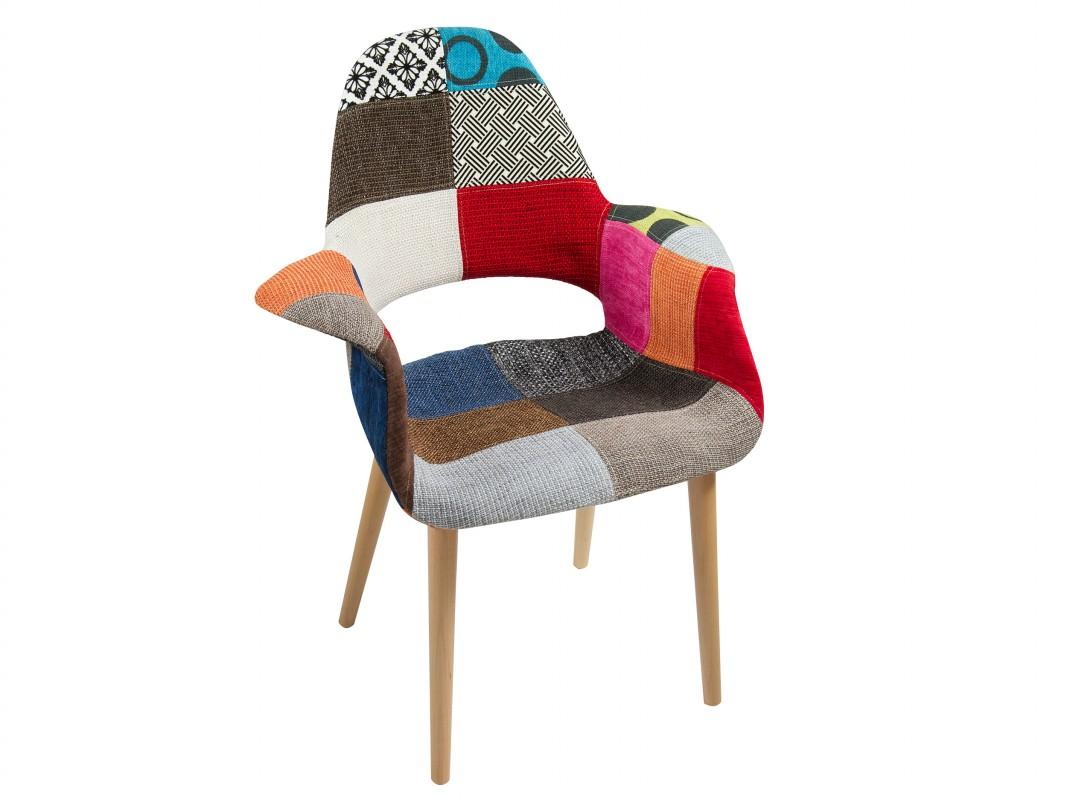 Silla de colores patchwork tapizada con patas de madera for Sillas comedor patchwork