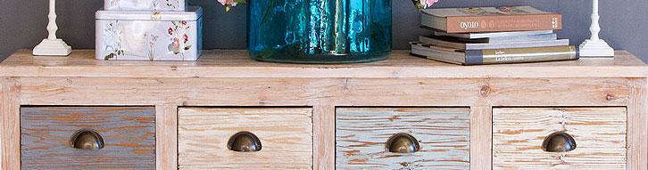 Muebles decapados en madera o metal de primera calidad