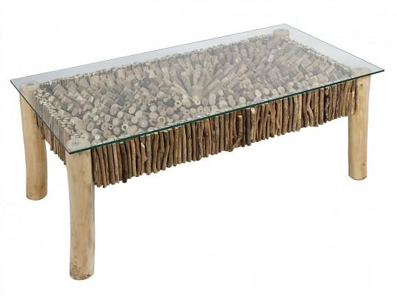 Muebles de troncos y ramas de madera